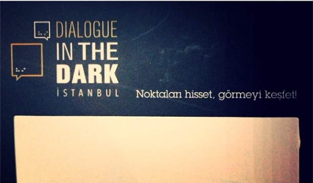 Karanlıkta Dialog